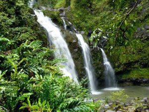 waterfall-969228_640